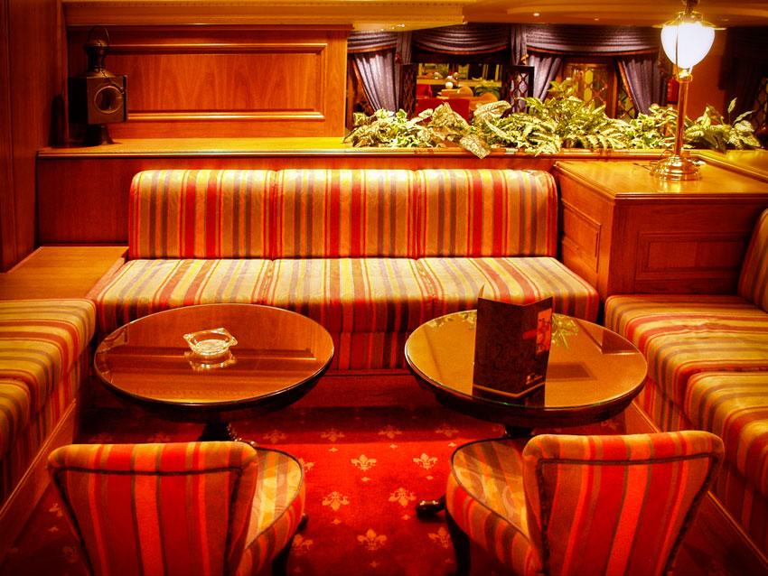 Fotografia-decoración-de-interiores-piano-bar-01