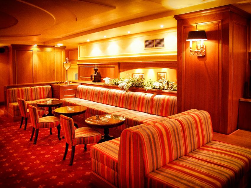 Fotografia-decoración-de-interiores-piano-bar-02