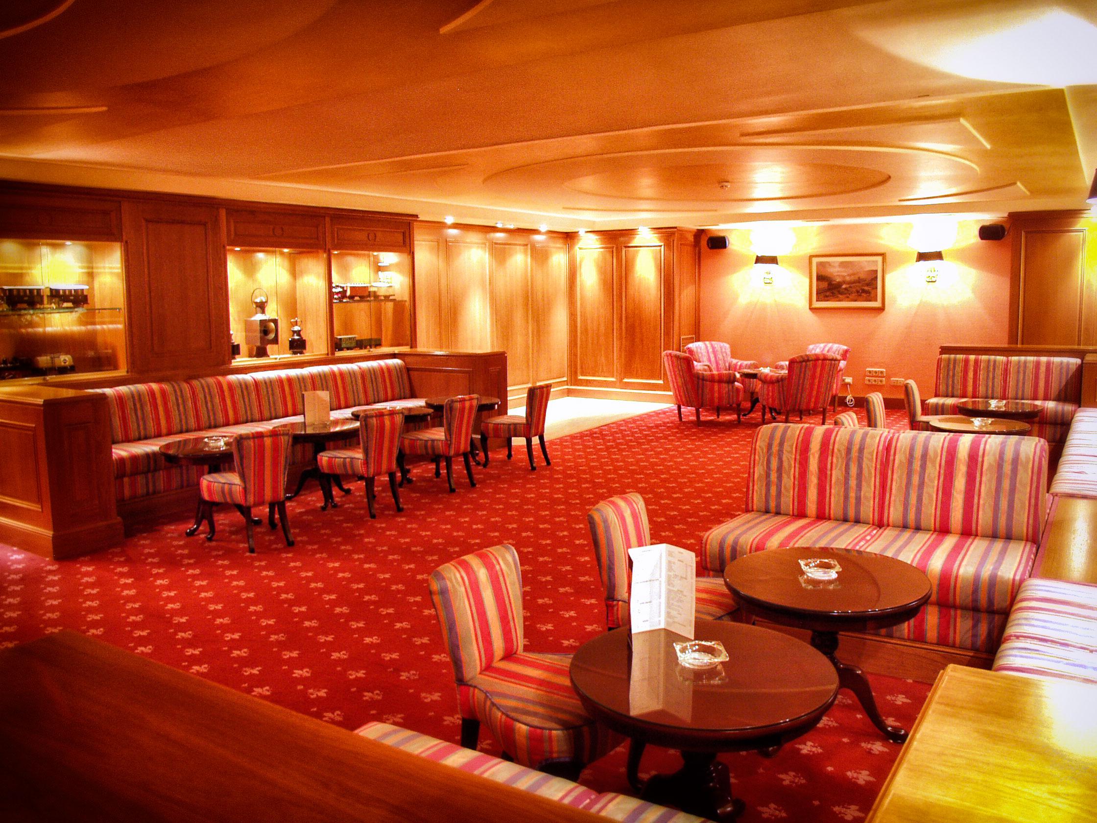 Fotografia-decoración-de-interiores-piano-bar-05