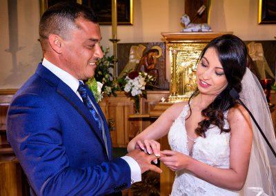 fotografía-de-boda_en-_iglesia-romántica-clásica-web